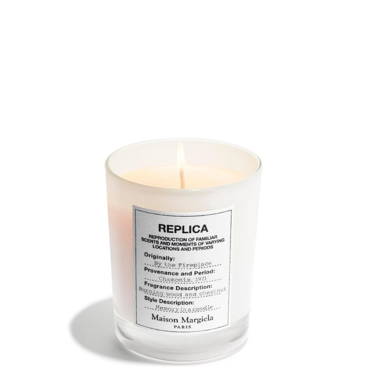 REPLICA By The Fireplace  Bougie Parfumée Boisée Épicée - Maison Margiela - Incenza